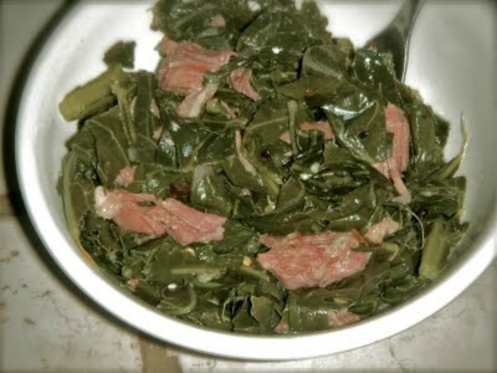 Southern Collard Greens Recipe w/ Smoked Turkey Legs (soul food style)