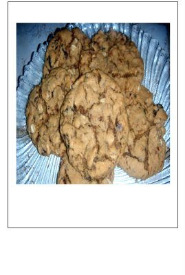 Big Ol' Soft n Chewy Oatmeal Raisin Cookies