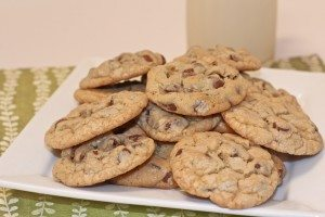 Easy Chocolate Chip Cookies Recipe (Old Fashioned)