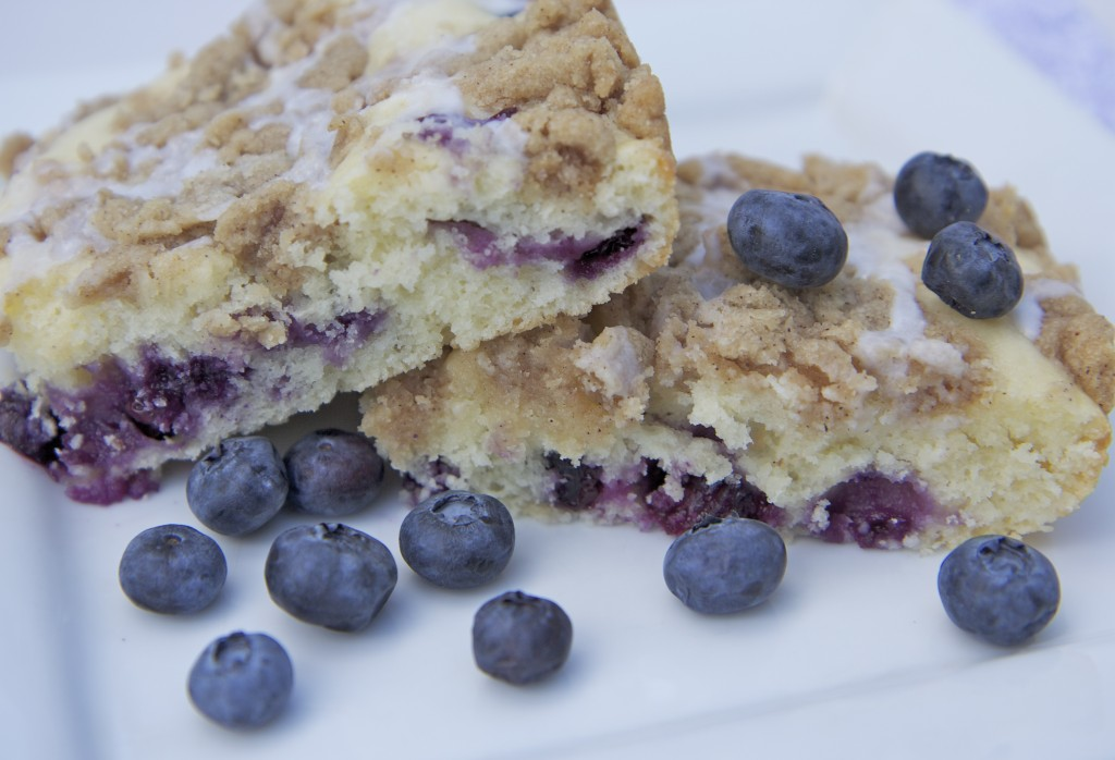 French Vanilla Blueberry Streusel Coffee Cake Recipe