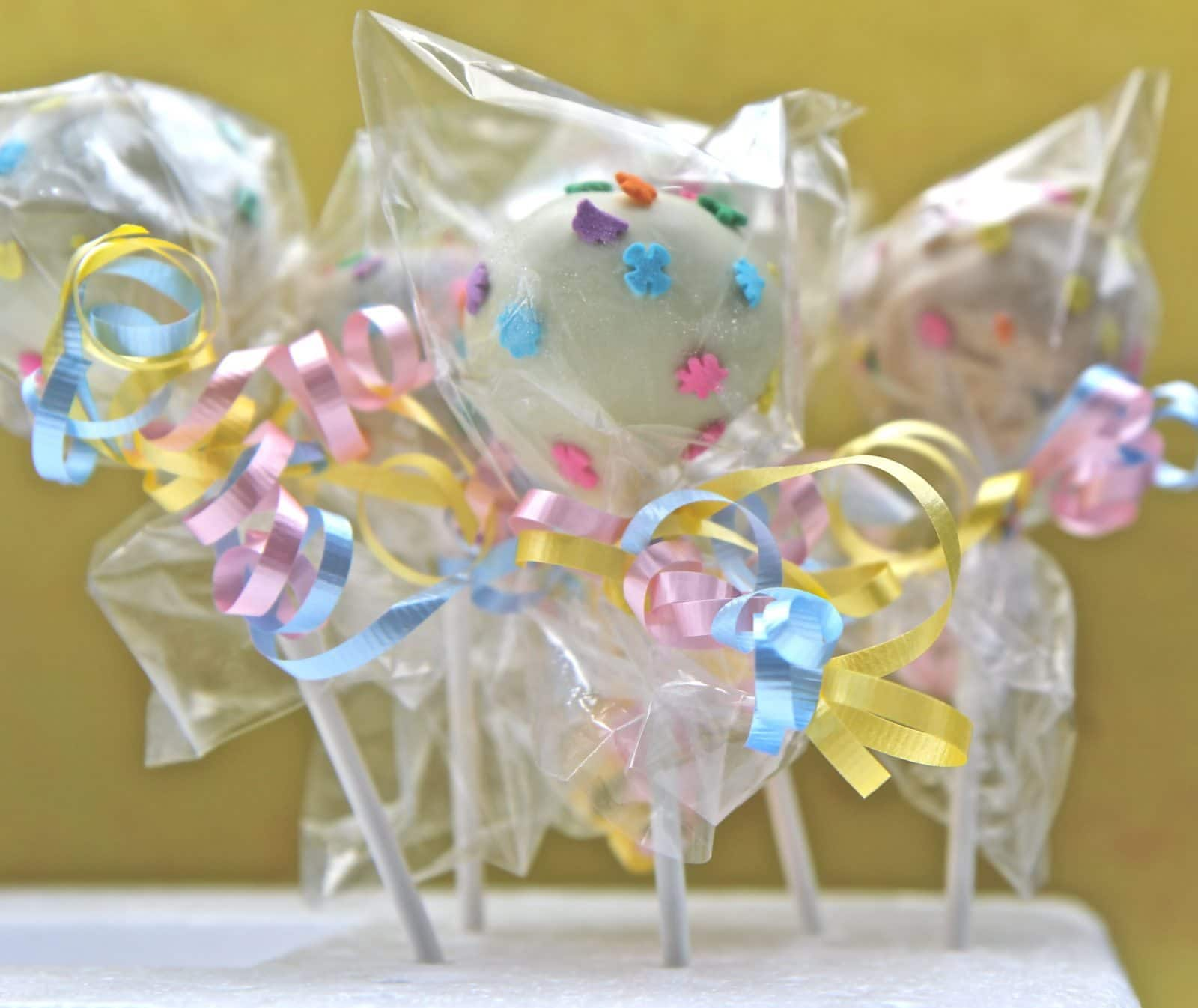How To Make Cake Pops ….EASILY!!!