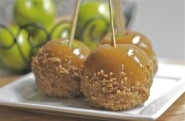 Apple Crisp Caramel Candy Apples