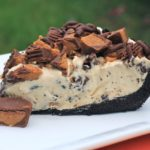 Frozen Reese's Pie Recipe No-bake dessert pie