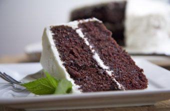moist devils food cake recipe white frosting