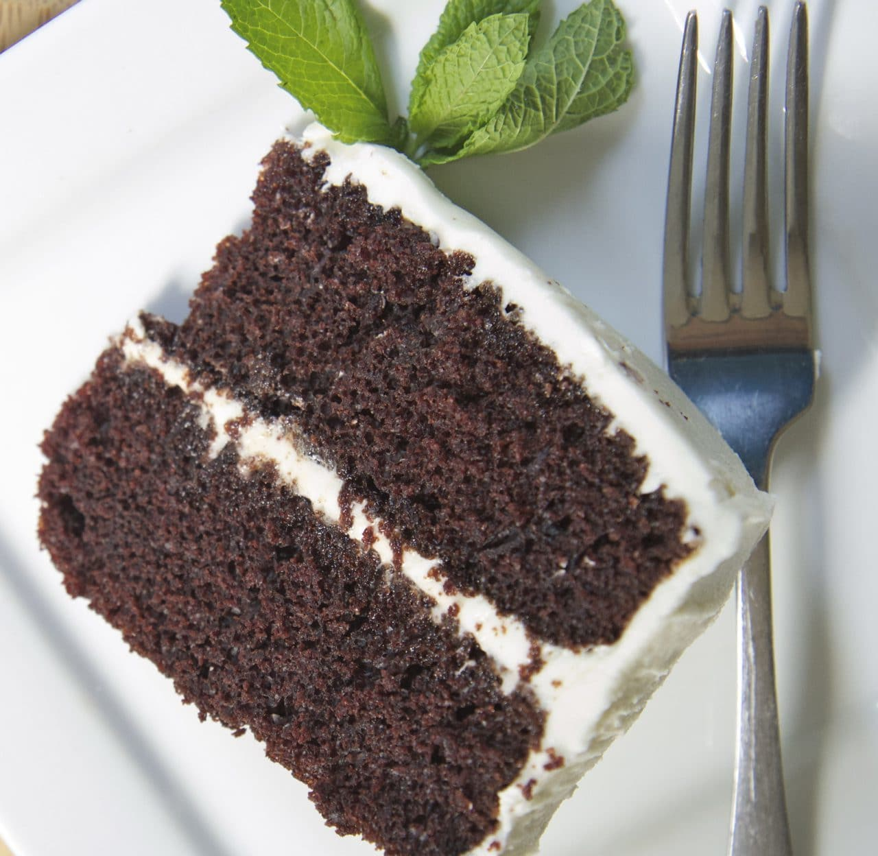 moist devils food cake recipe white frosting