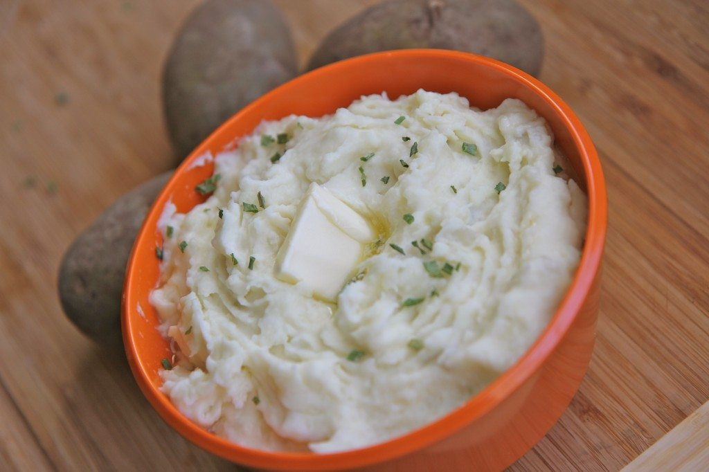 Easy Mashed Potatoes with Cream Cheese   Divas Can Cook