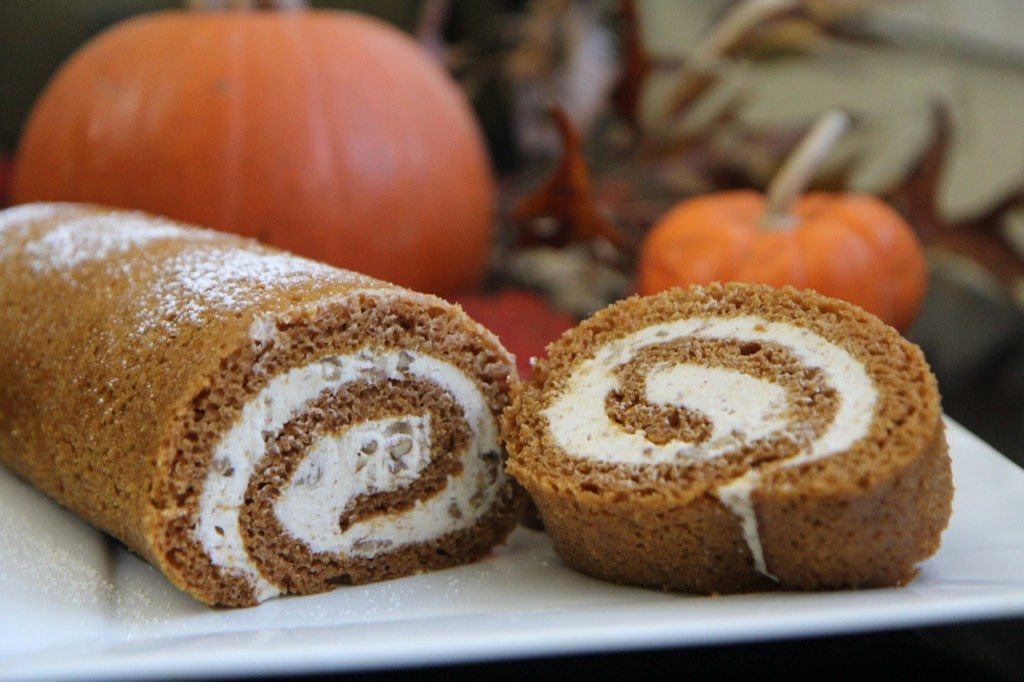 Easy Pumpkin Cake Roll Recipe w/ Cinnamon Pecan Cream Cheese Filling ...