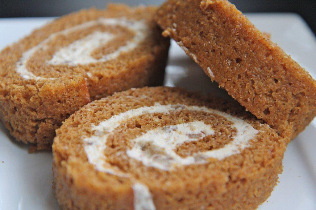 easy pumpkin cake rolls