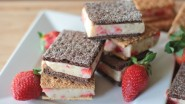 Healthy Ice Cream Sandwiches (Strawberry Banana)