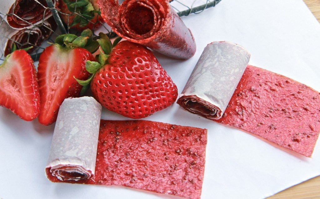 homemade strawberry fruit rollups recipe