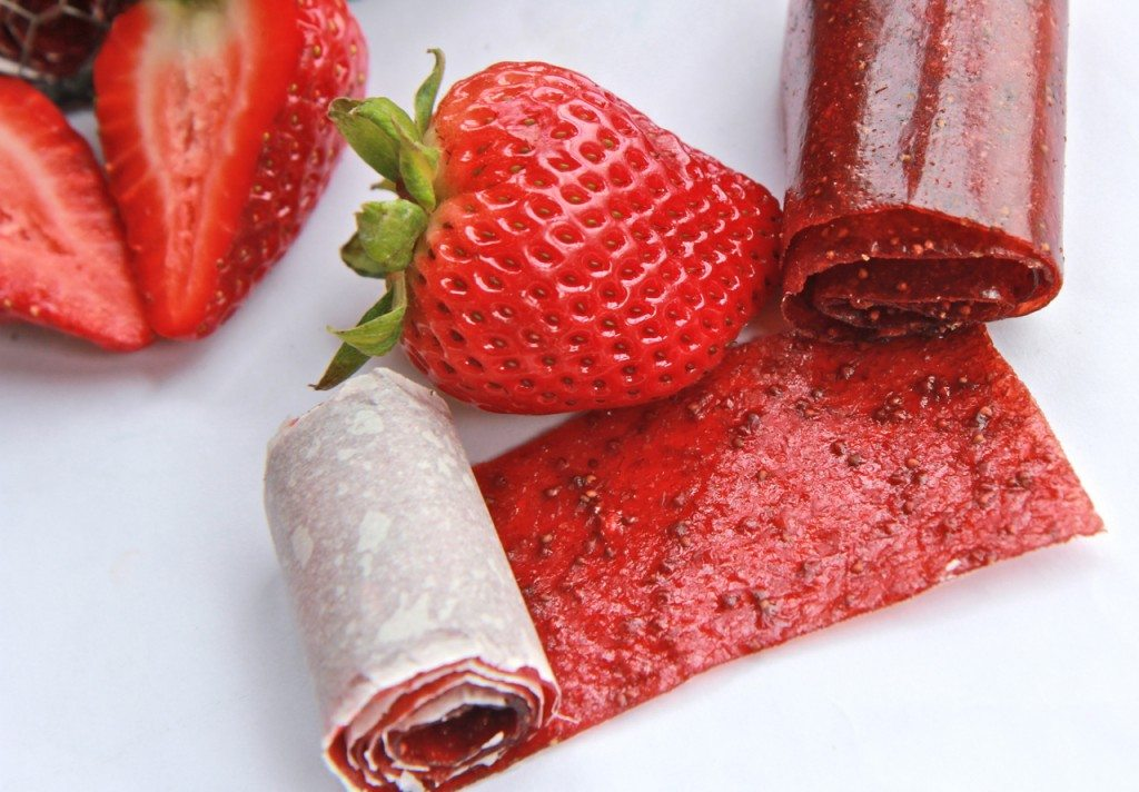 Homemade Strawberry Fruit Rollup (Fruit Leather)