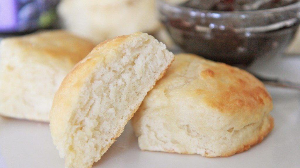 southern buttermilk biscuits recipe easy