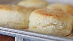 Easy Southern Buttermilk Biscuits Recipe