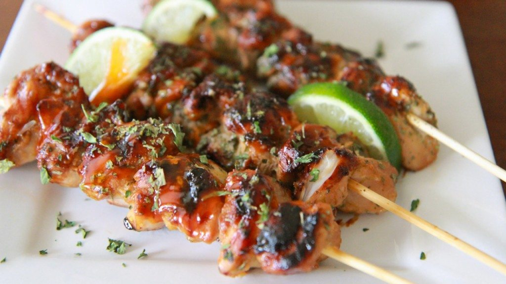 sirachi chicken skewers
