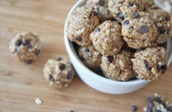 No-Bake Energy Bites! Healthy Peanut Butter Chocolate Granola Snacks