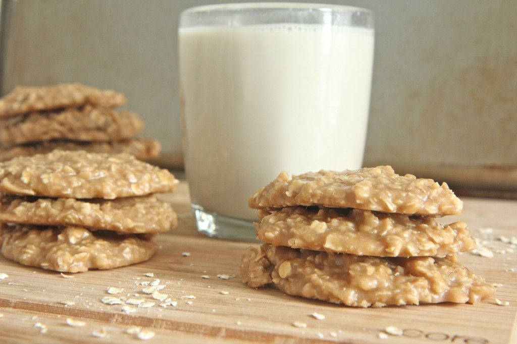 Old Fashioned Peanut Butter Oatmeal No-Bake Cookies