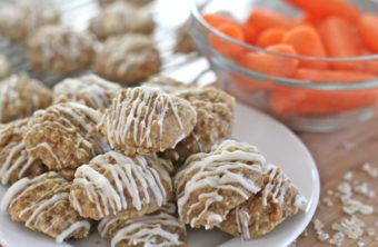 Easy Carrot Cake Oatmeal Cookies