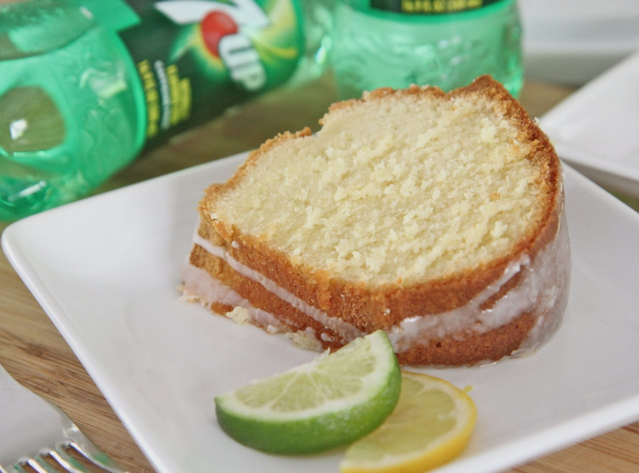 Old Fashioned 7-Up Pound Cake