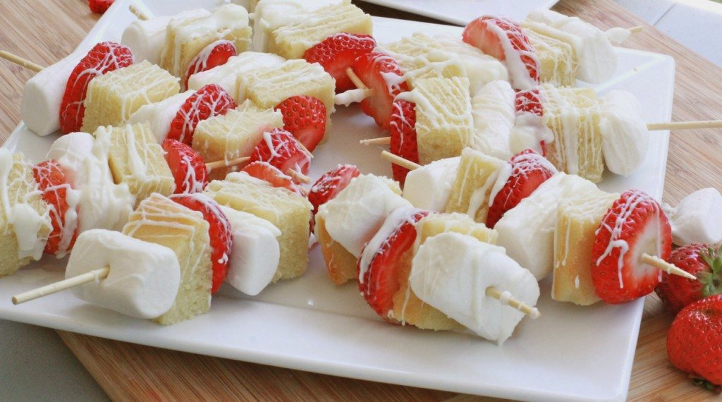 strawberry shortcake dessert kabobs 2