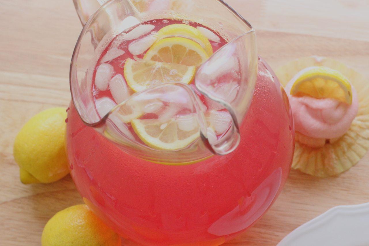 Pink Lemonade Cupcakes with Pink Lemonade Frosting | Divas Can Cook