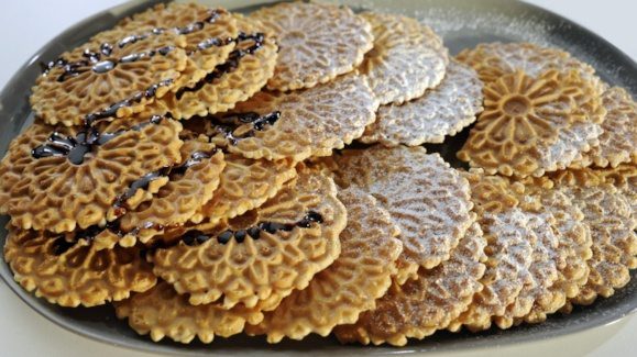 thin-waffle-cookies_recipe_579x325_1408478282330