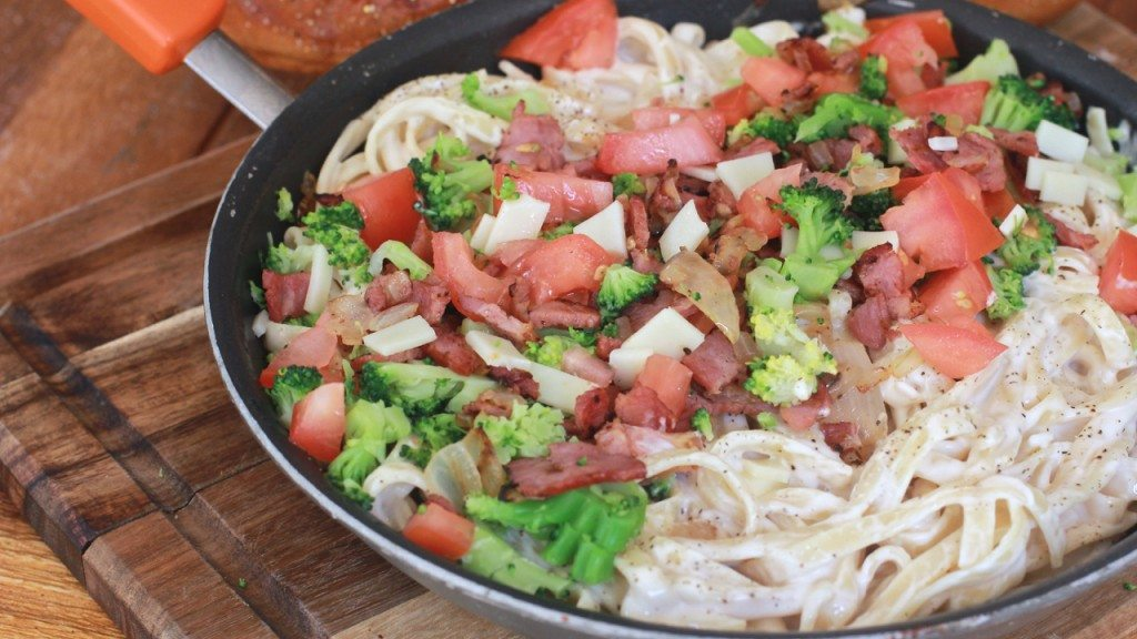 Waste free menu planning with foodlion 5 dinners 1 bag divas can cook fettuccini alfredo food lion forumfinder Gallery
