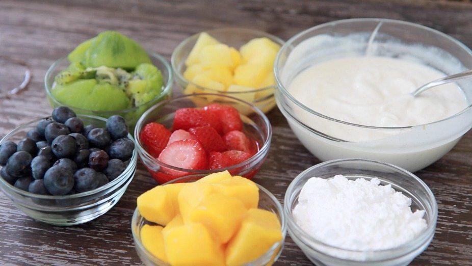 fruit yogurt popsicles