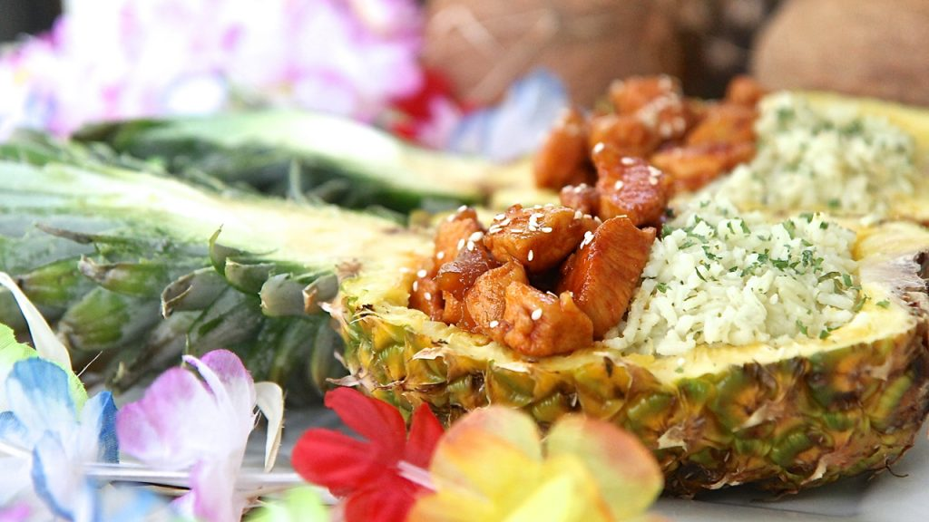 pineapple bowls chicken rice