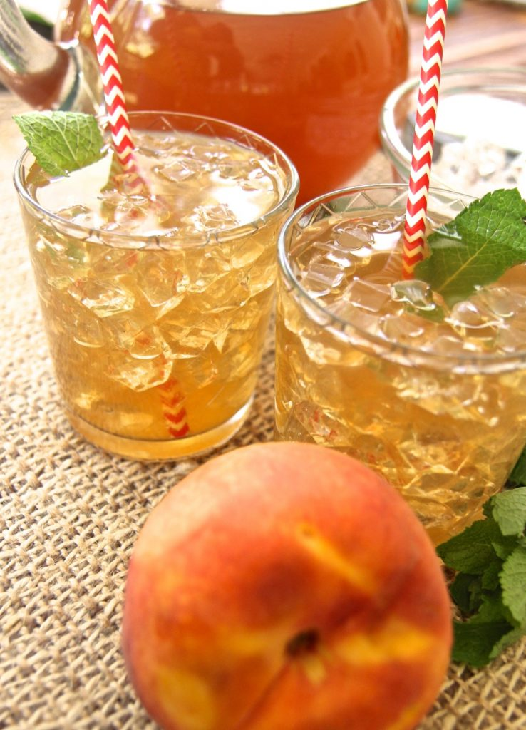 fresh peach sweet iced tea