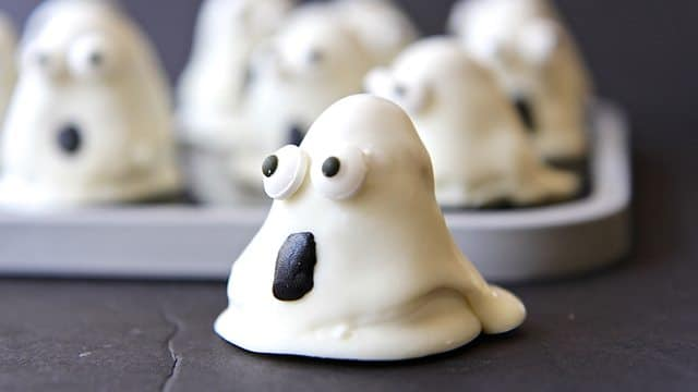 oreo-ghost-truffles-halloween-recipe