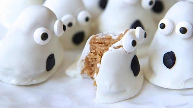 oreo-ghost-truffles-halloween