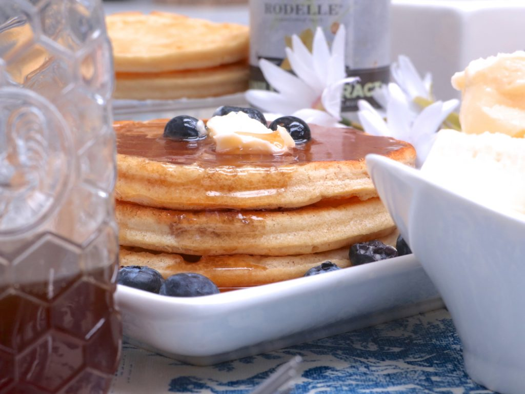 Homemade pancake syrup recipe divas can cook its amazing what butter does to this pancake syrup recipe im using both vanilla and maple extract since i really like these to guys together ccuart Image collections