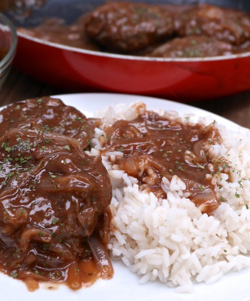 Southern Hamburger Steak & Onion Gravy