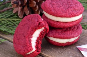 Red Velvet Cookies w / Cream Cheese Filling