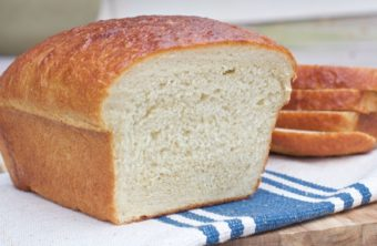 Easy & Soft Old-Fashioned White Bread