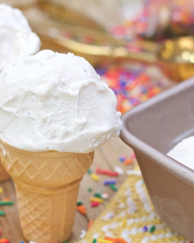 Homemade Creamy Vanilla Ice Cream