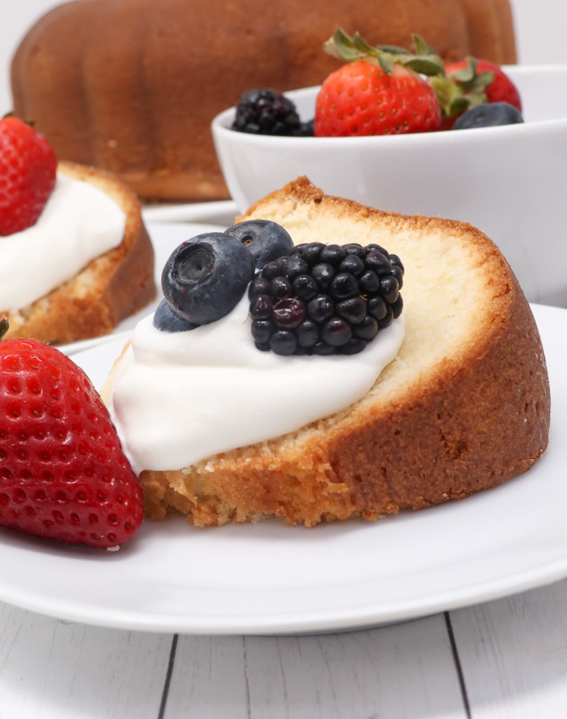 southern sour cream pound cake
