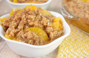 peach crisp with oats